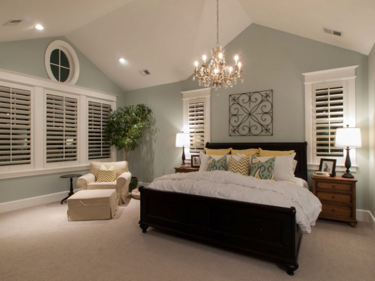 16 most fabulous vaulted ceiling decorating ideas home for Master bedroom lighting ideas vaulted ceiling
