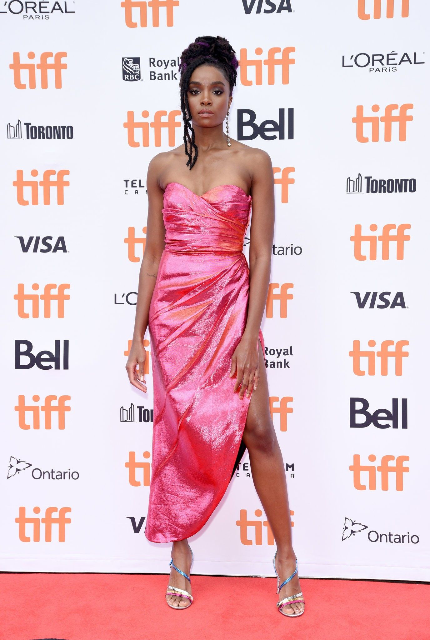 Kiki Layne Beale Street S Breakout Star Has A 4 A M Moment Published 2018 Strapless Dress Formal Valentino Gowns Gowns Dresses