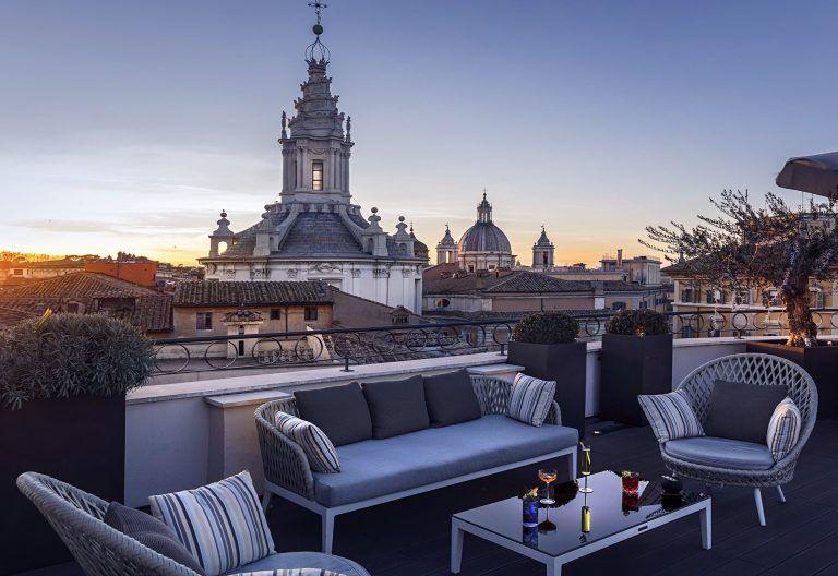 Aperitivo a Roma all'aperto cocktail in terrazze e