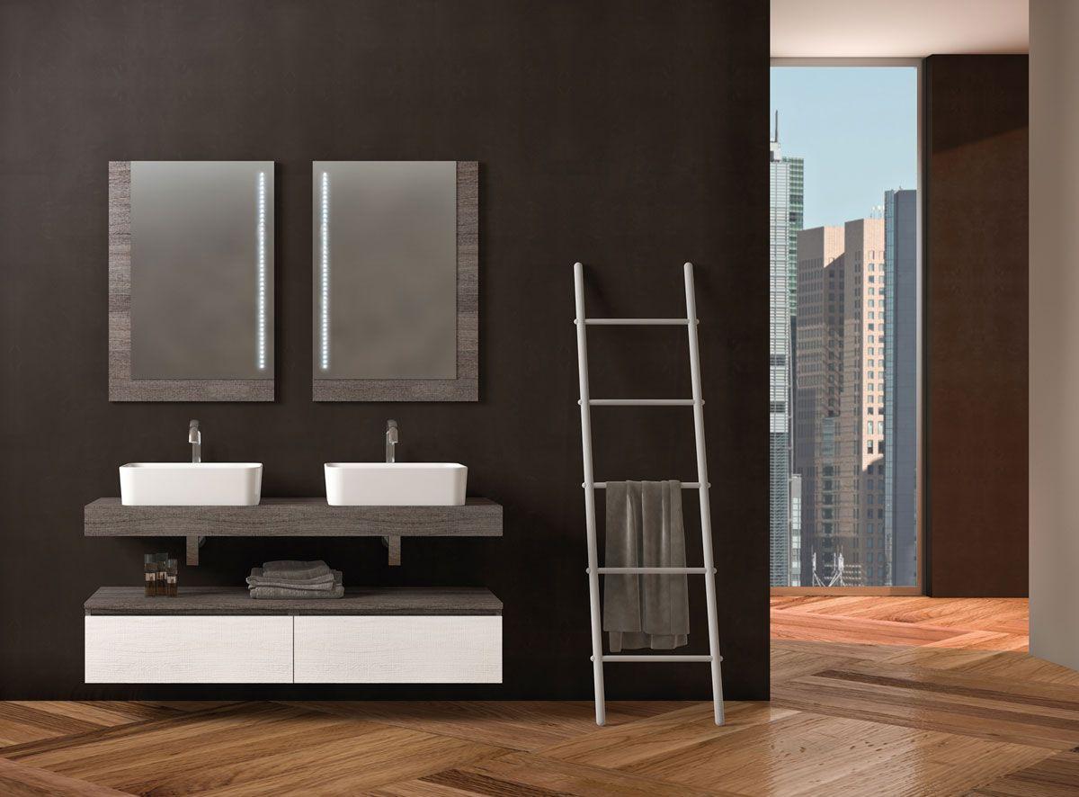 """Componibile 4  L.140 P.46 cm - Finitura Rovere """"tranchè"""" scuro e Bianco - Top in legno con lavabo ad appoggio in ceramica."""