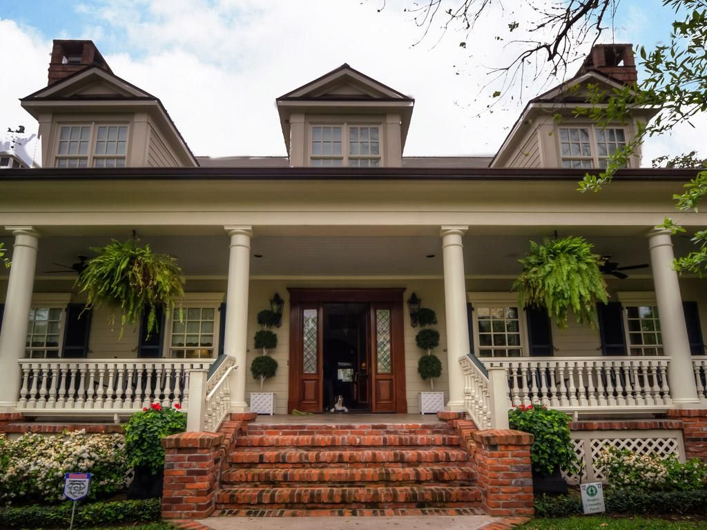 Best Welcoming Front Porch Brick Steps Porch Steps Front 400 x 300