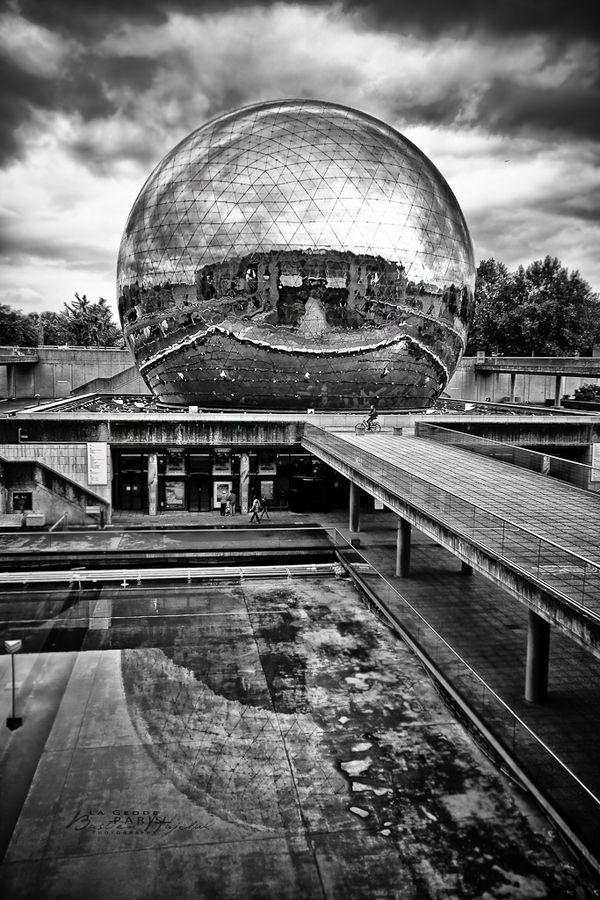 Geode on reflection by Bastien HAJDUK, via 500px
