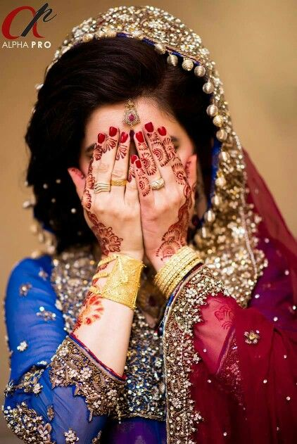 Pin By Zainab Tanveer On Fine Art And Umarish Weddings Photography Wedding Poses Pakistani Wedding Indian Bride