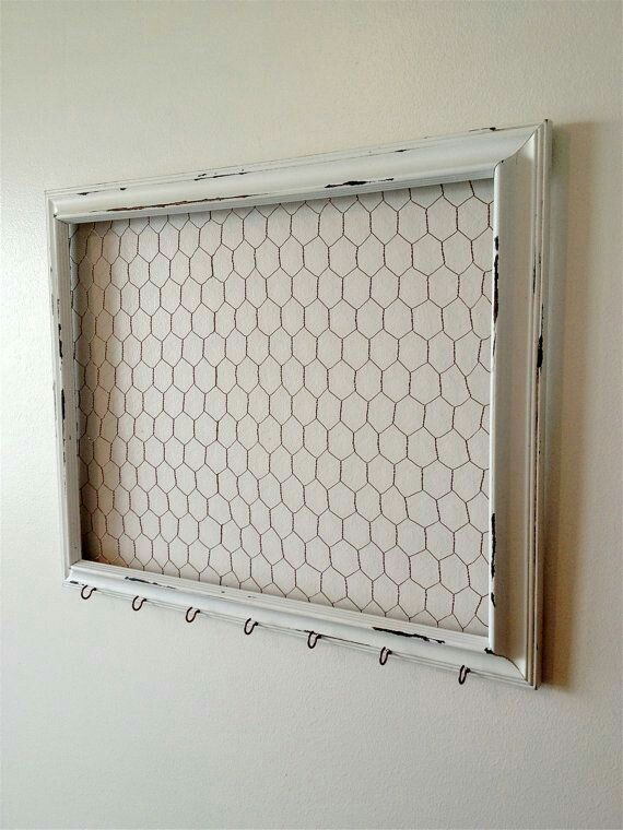 Chicken wire frame + hooks | Booth - DIY - Frames + Doors ...
