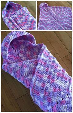 Crochet Wrap Up Hooded Baby Blanket Free Pattern #uncinettoperbambina