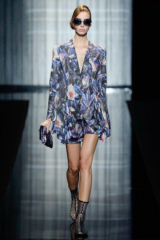 Giorgio Armani Spring 2017 Ready-to-Wear Fashion Show - Dajana Antic