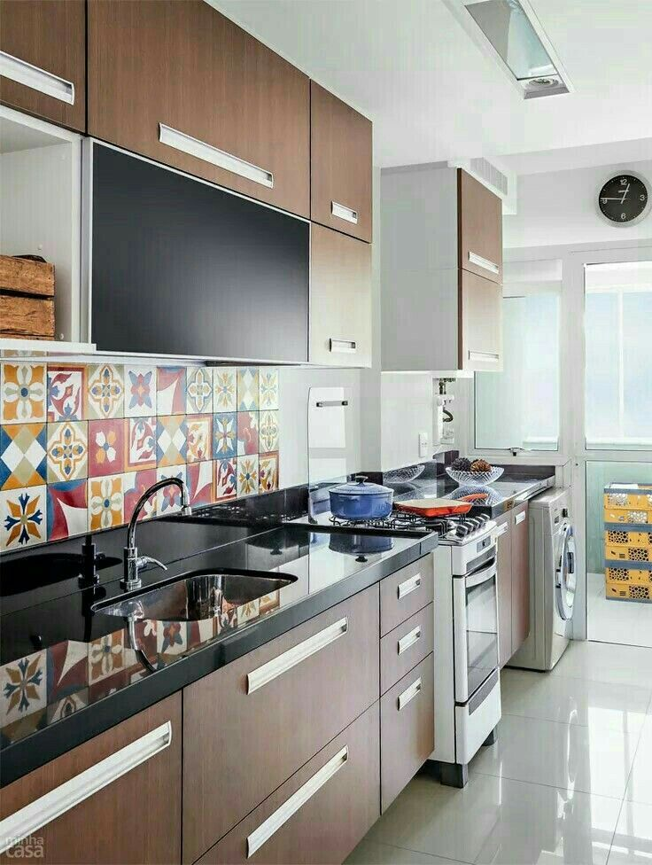 High Quality Kitchens · Nice