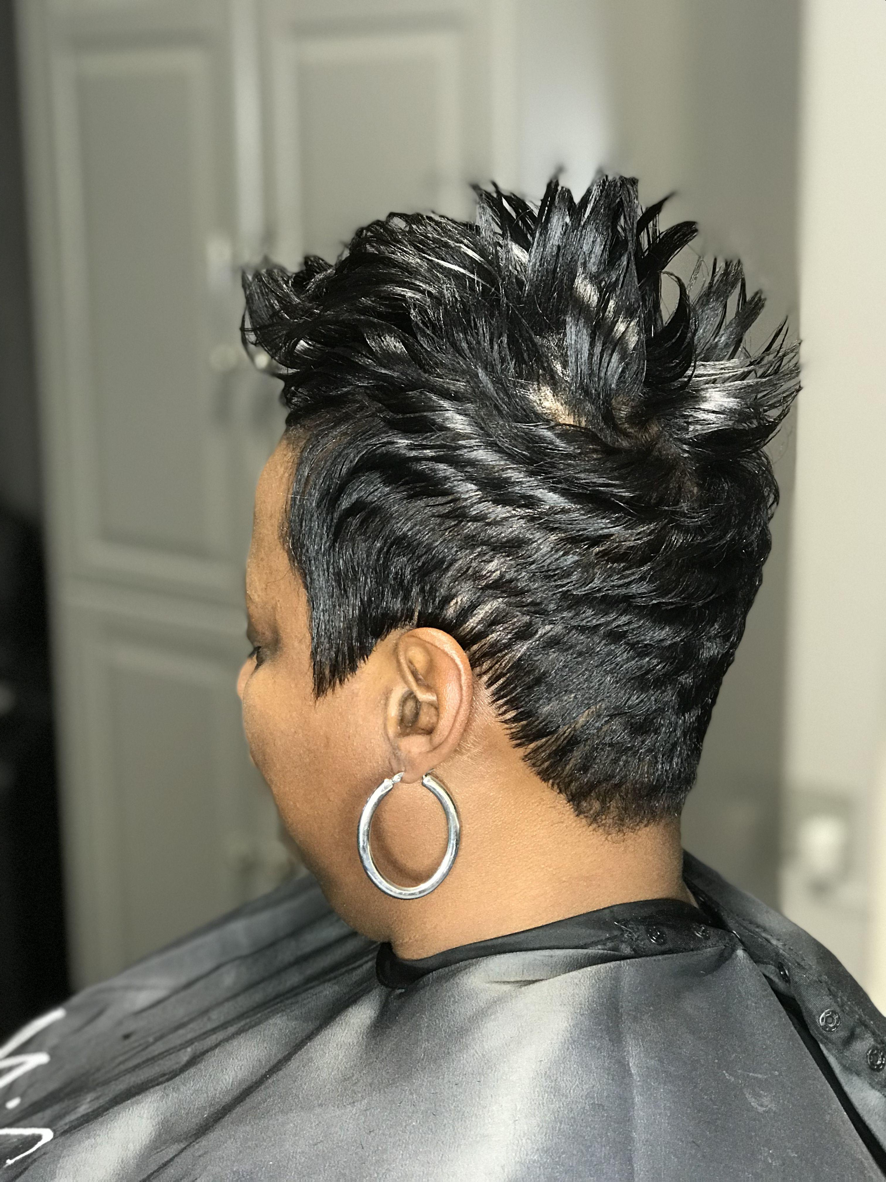 Short Spike Pixie Stylist Dee Mishawn Salon Edgy Hair Short Hair Styles Pixie Beautiful Black Hair