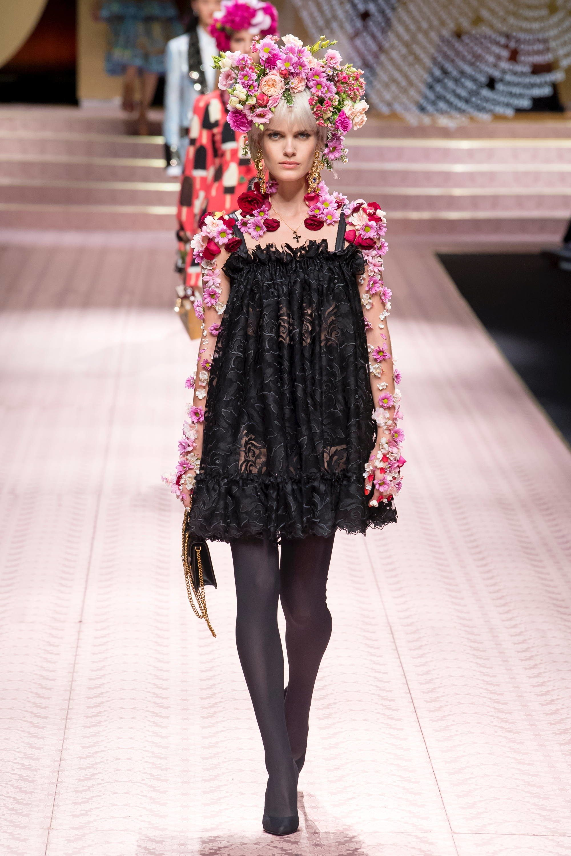 3feb6274 Dolce & Gabbana Spring 2019 Ready-to-Wear Fashion Show in 2019 ...