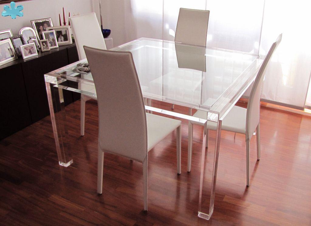 Tavoli Pranzo In Plexiglas Tavoli Tavolo E Sedie Arredamento