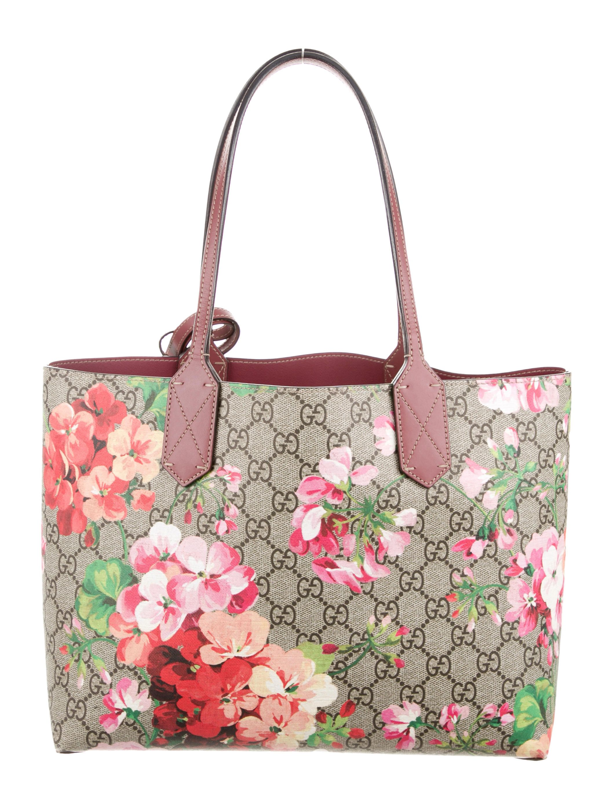 a9c75cf16ba Gucci Small Reversible GG Blooms Tote