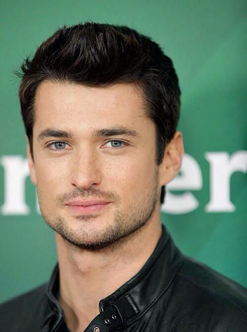 Oh Wes Brown Those Blue Eyes Dark Hair Scruff Love It Wes