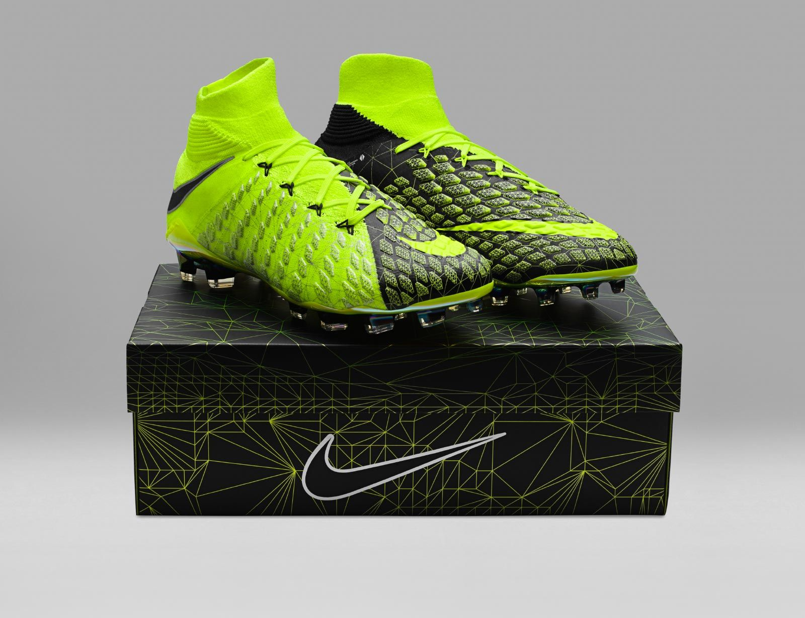 sports shoes 649c5 abc8b The limited-edition Nike Hypervenom Phantom III EA Sports boots introduce a striking  design, inspired by Real Player Motion technology.