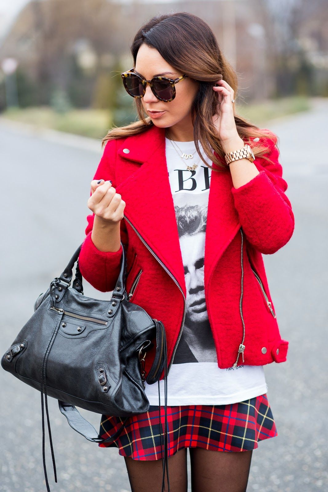 Cashmere in Style : In The Mood For Red