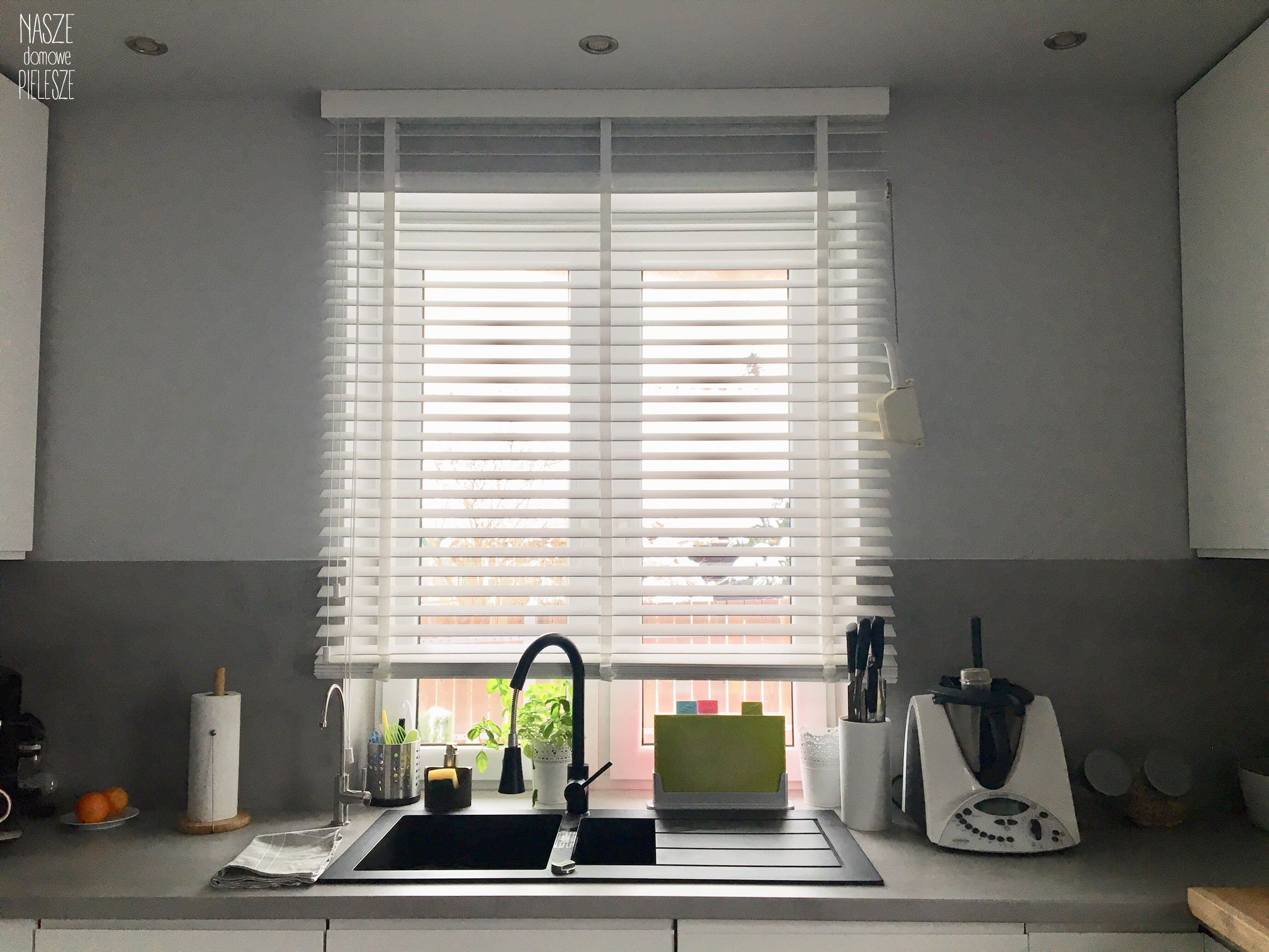 Zaluzje Drewniane W Kuchni Home Home Decor Decor
