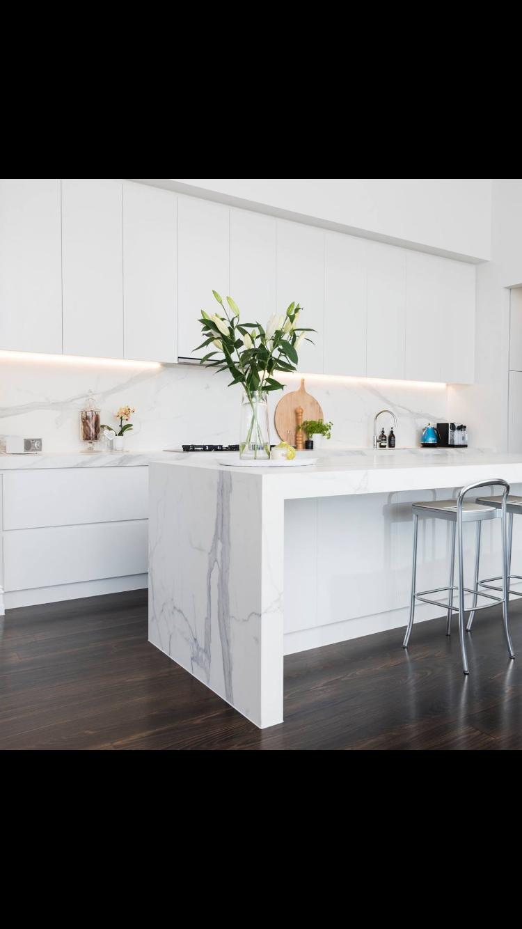 White kitchen dark floorboards and ceasarstone bench top | Kitchen ...