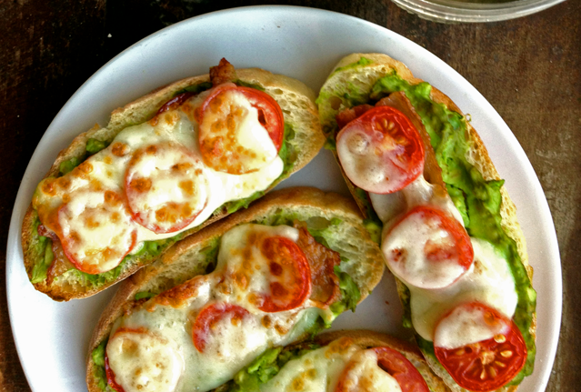 Bacon Avocado Tomato Toasts I don't even like avocado but this looks delicious