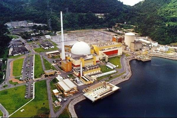 A entrega da nossa energia nuclear a interesses estrangeiros, em processos obscuros liderados por uma classe política irresponsável e corrupta, traz riscos à segurança da população. Além do prejuíz…