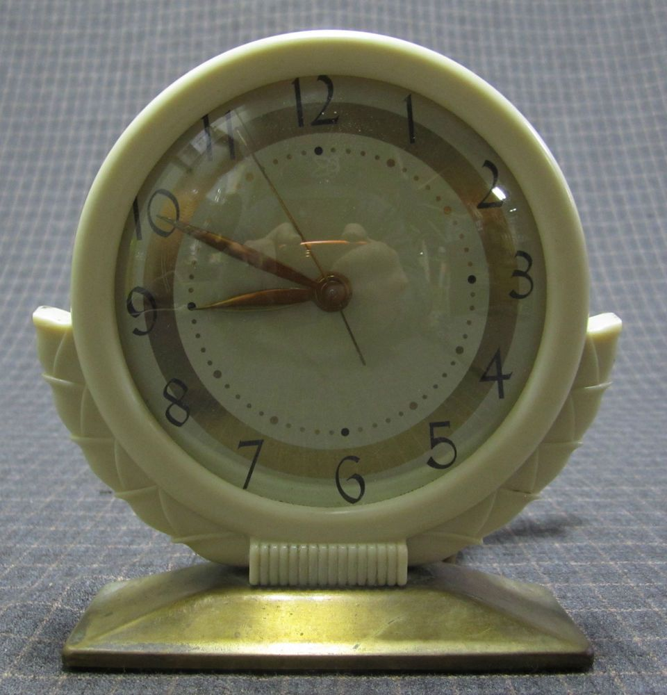 Antique 1930 1940 S Art Deco Vintage Bakelite Mcclintock Night Table Alarm Clock Antique Clocks Vintage Clock Clock