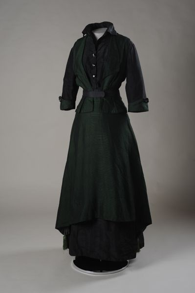 Dress from the American Textile History Museum's permanent collection in Lowell MA. Date: 1910's.