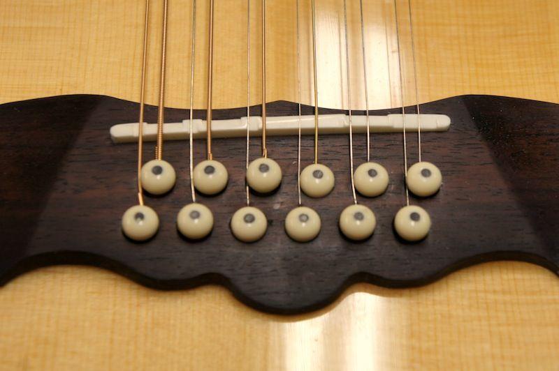 Pin Na Doske Guitar Bridge