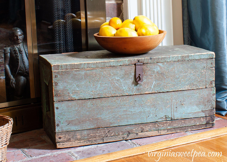 Summer Mantel With Mason Jars And Lemons Vintage Mason Jars