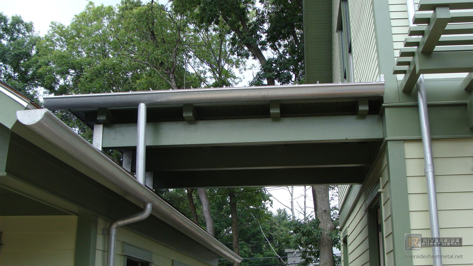 Tcsii Half Round Single Bead Gutter Installation How To Install Gutters Installation Gutter