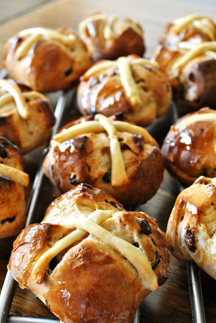 Top 10 traditional english recipes pinterest english recipes traditional hot cross bun recipe traditional english recipes forumfinder Images