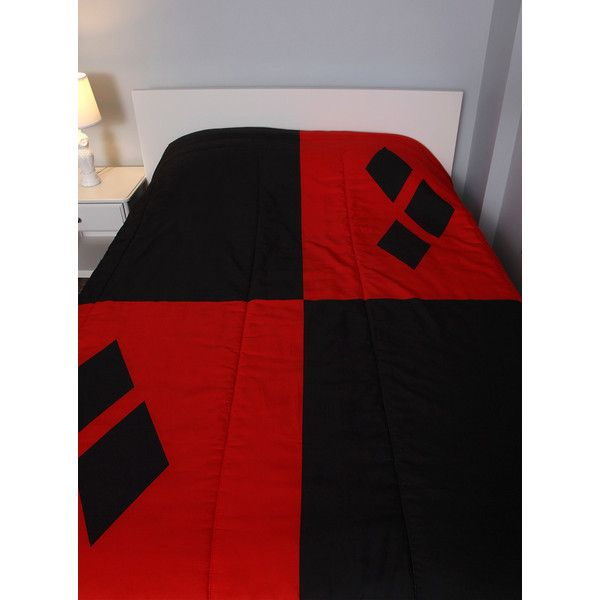 DC Comics Harley Quinn Diamond Full/Queen Comforter Hot Topic ($52) ❤ liked on Polyvore featuring home, bed & bath, bedding, comforters i full/queen comforter