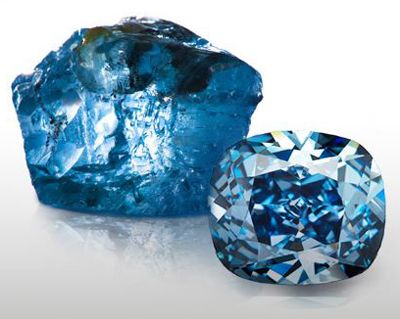Blue Moon Of Josephine Diamond Sets New Records With 48 4 Million Price At Sotheby S Diamond Blue Diamond Cullinan Diamond