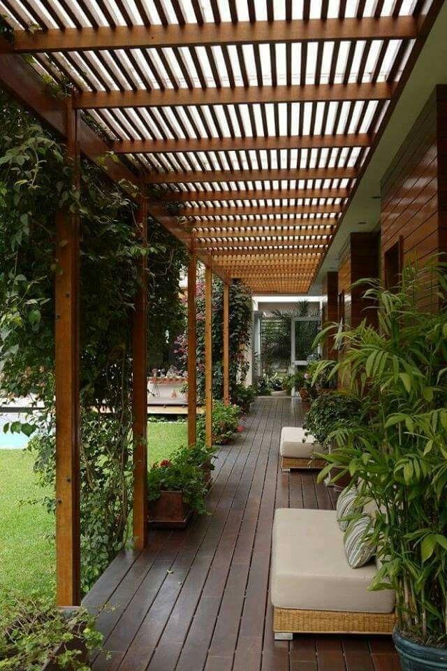 Terraza Jardin Madera Sillones Techo Techo De Patio Pergolas Jardin Disenos De Casas