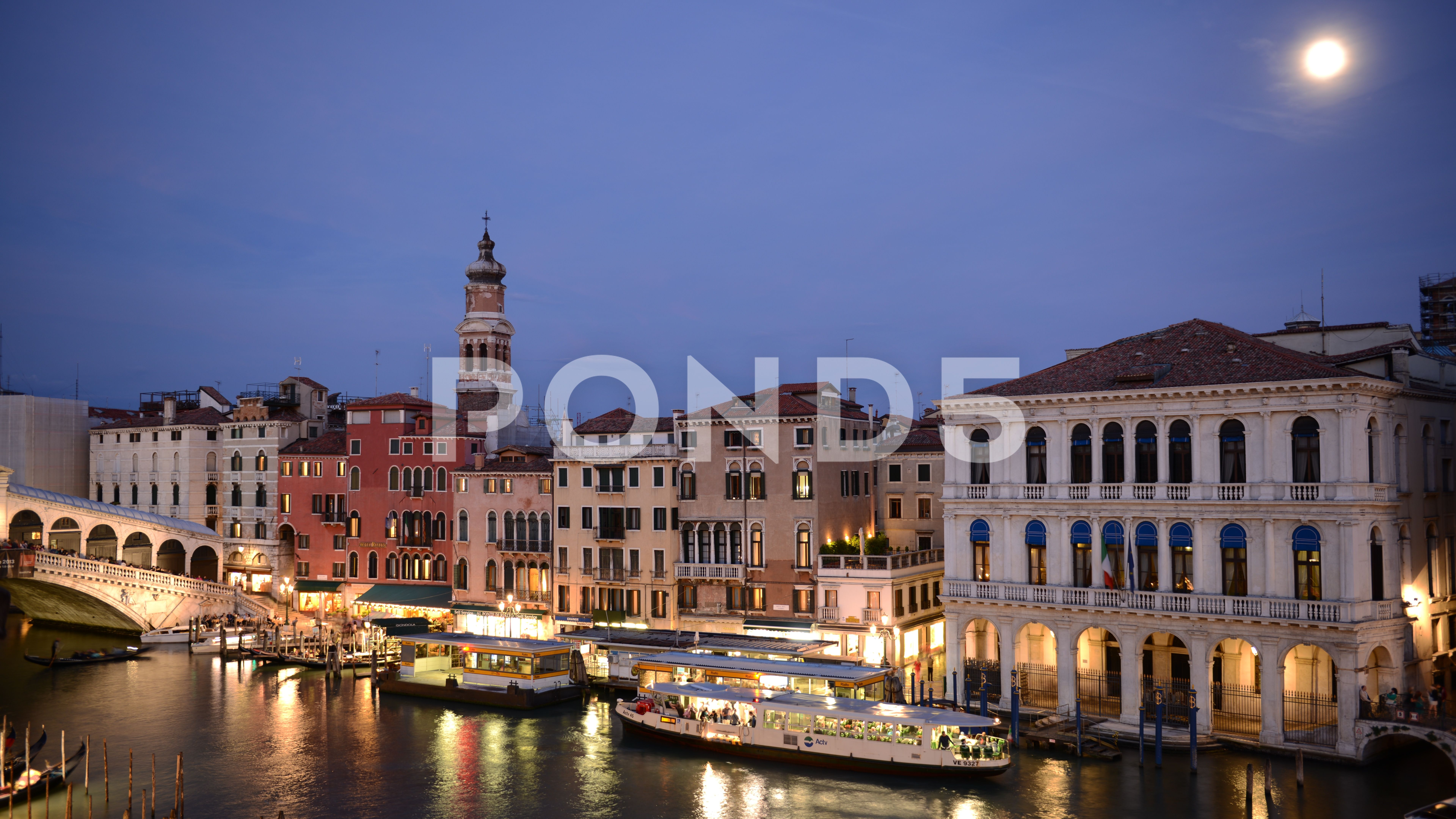 8K Time Lapse Aerial View Venice Crowd of People Sidewalk Day to Night Moonrise Stock Footage ViewVeniceCrowdTime