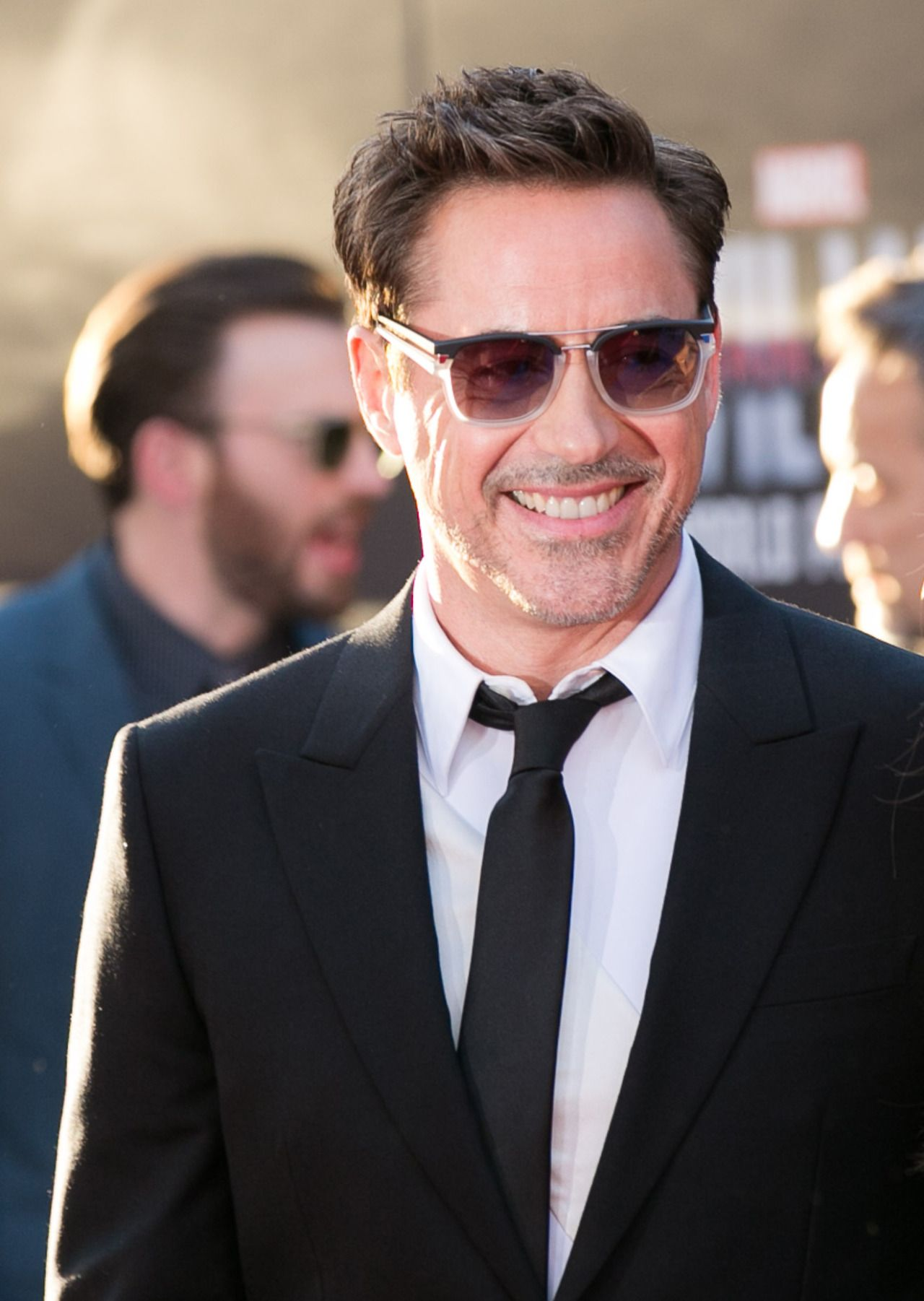 Robert downey jr attends the premiere of marvels