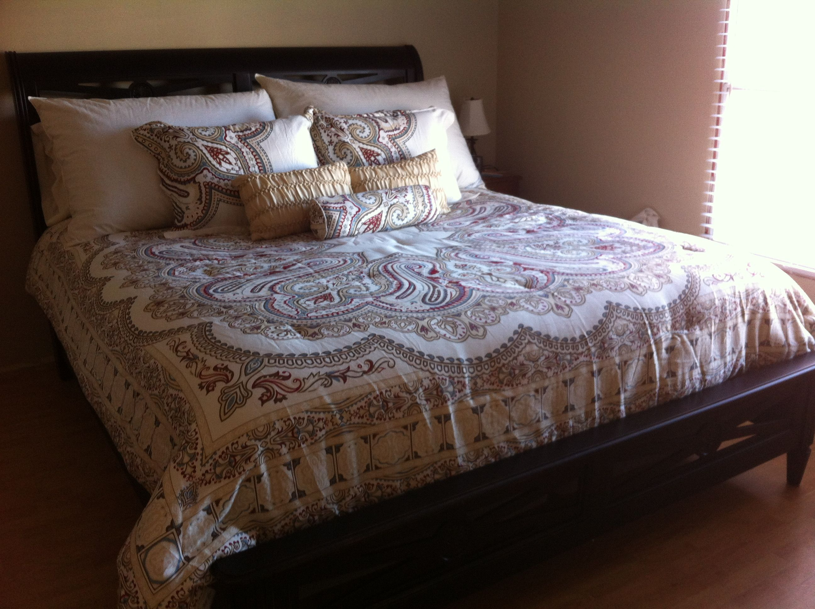 Bella Lux Paisley Bedding