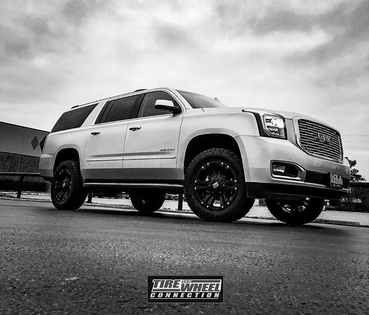 2018 Gmc Yukon Xl Denali 2 Readylift 20x9 Xd Monsters And 33