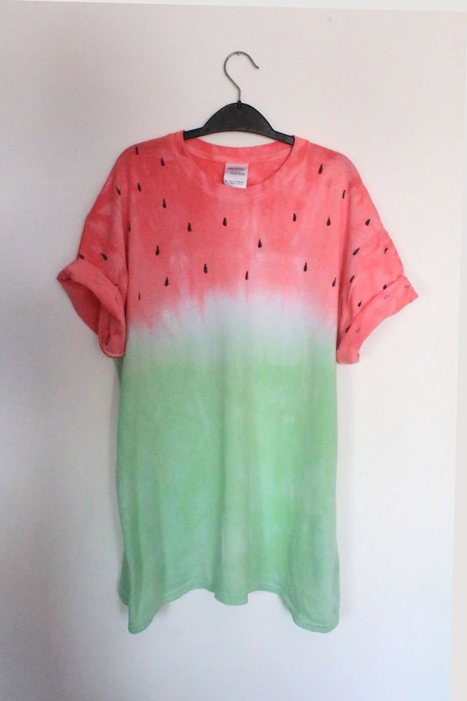 f4f0444ec6b5 DIY Inspo: watermelon fruit tie dye dip dye t-shirt. I don't know why I  like this so much. But I do. Only, I'd switch it around!