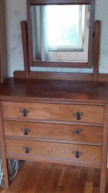 Antieke dressoir uit 1910.