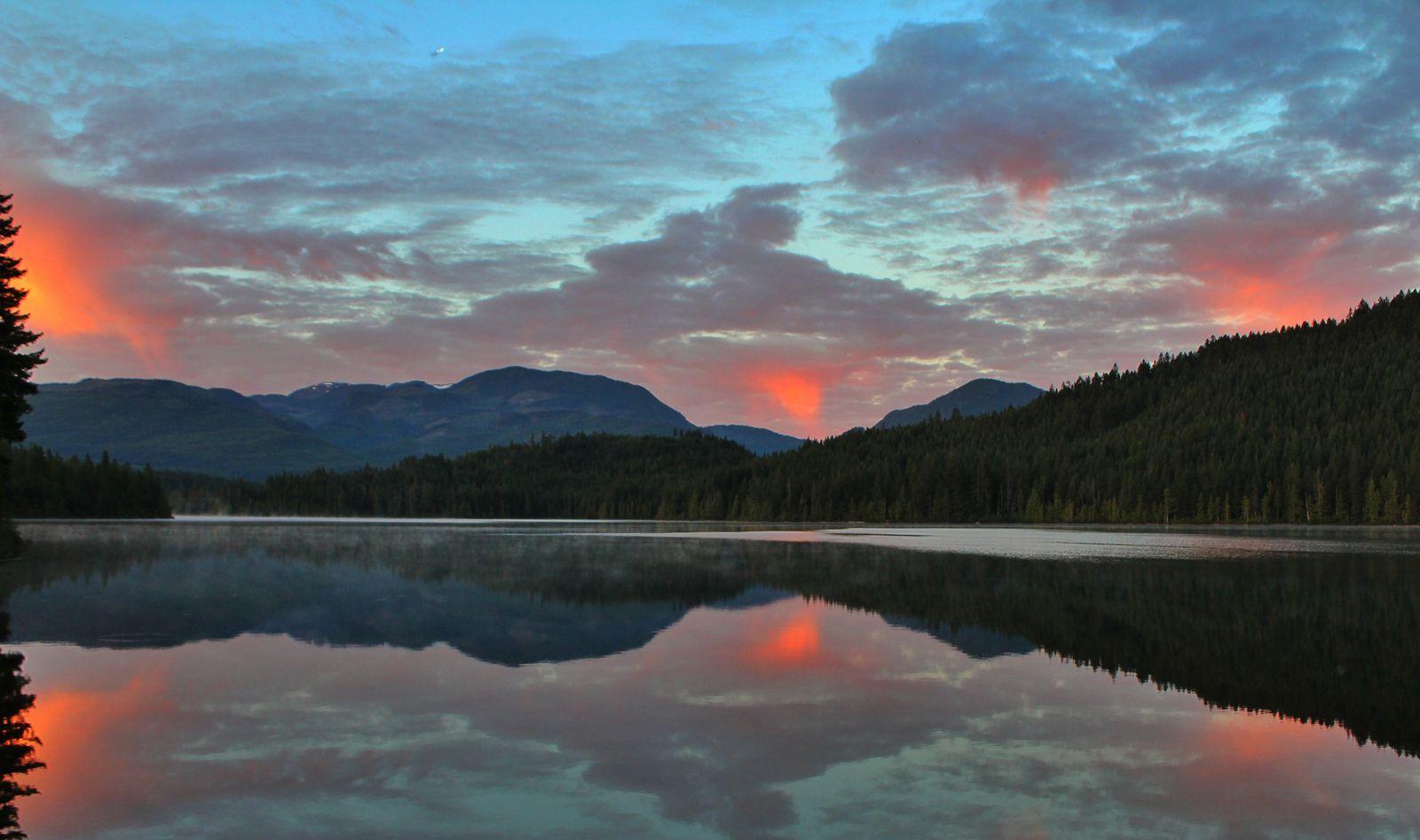 Reflections of fire / Reflets de feu / Reflexiones de fuego | Flickr - Photo Sharing!