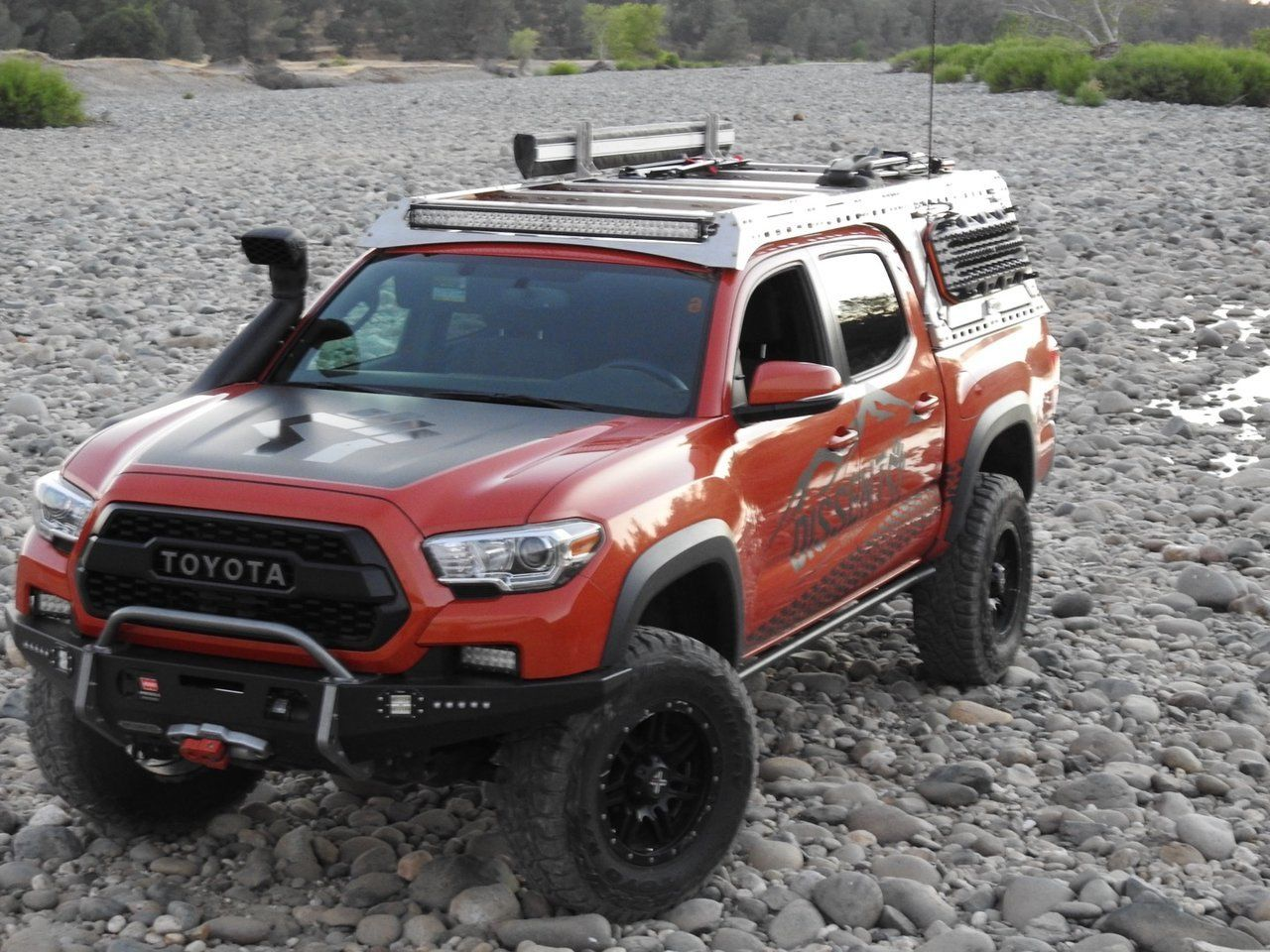 Dissent offroad Toyota truck, trd