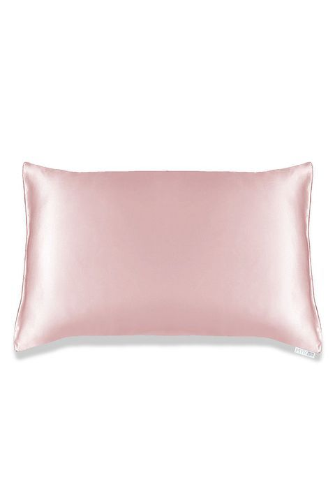 15 Silk Pillowcases That Are Actual Game Changers Silk