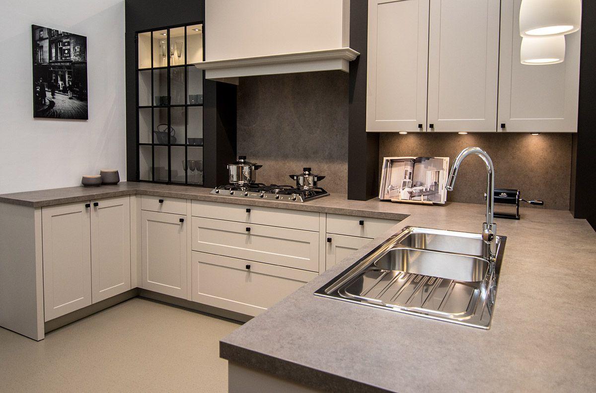Keukenkast Met Werkblad : Graniet werkblad in de keuken soorten voorbeelden