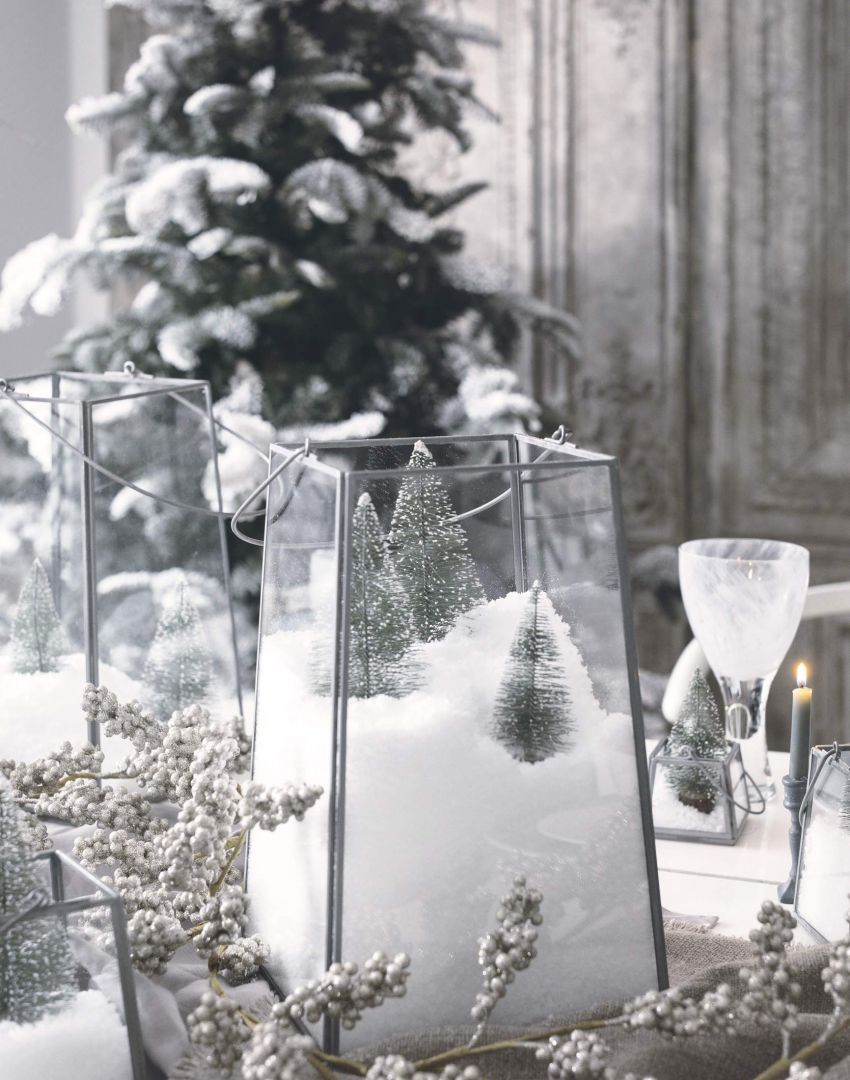 Winter Wonderland Table Setting With Snow Drift Centrepieces