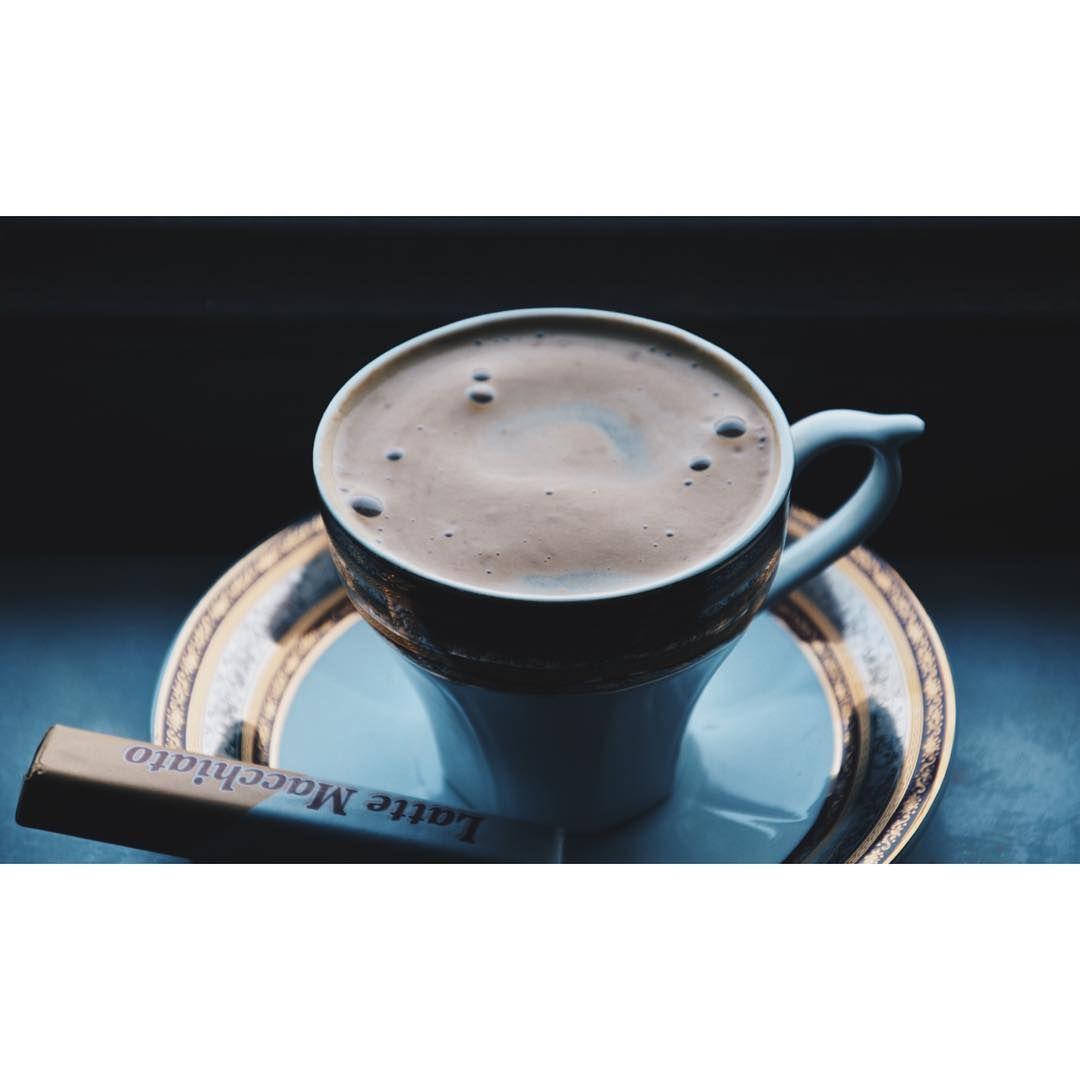Bir Pazar kahvesi alır mıydınız?😌☕️ #mutlupazarlar #kahve #sunday #coffee #coffeeoftheday #sonntag #kaffee #zuhause #herbst #vsco #vscocam #vscoturkey #vscomm_ #sonbahar #1kahve1cay @coffeetion @coffeeshots #instadaily #focus #nikon #coffeeshots #mykaffee #photooftheday