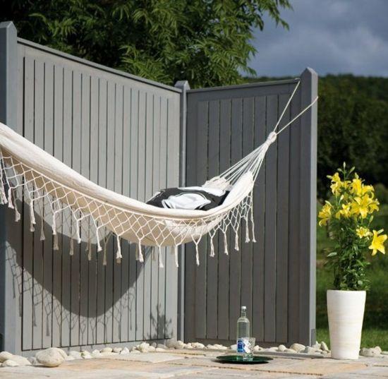 sichtschutz im garten schtzen sie ihre privatsphre sichtschutz garten schattenspender wand schaukel - Tipps Sichtschutz Garten Privatsphare