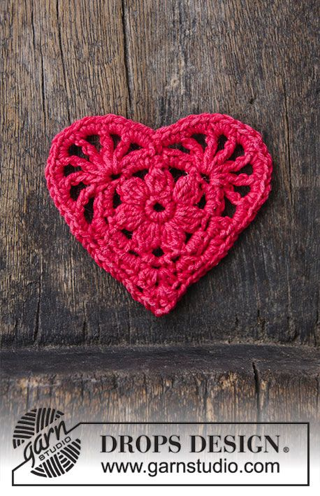 Crochet heart for Christmas. The piece is worked in DROPS Cotton ...