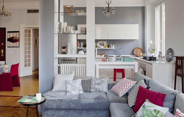 Open space come dividere cucina e soggiorno arredamento for Cucina open space con pilastri