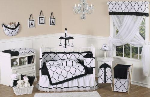 Idées de décoration chambre bébé fille en noir et blanc | Décoration ...