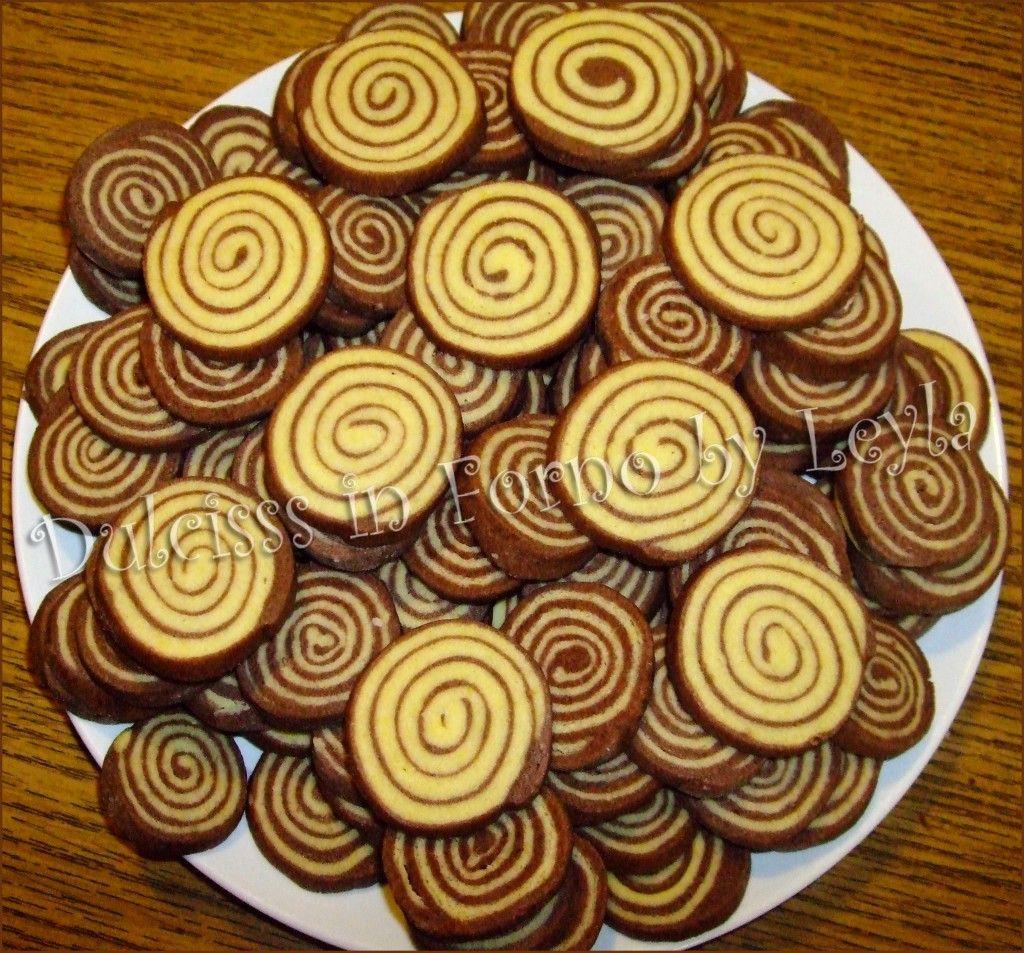 Biscottini bianchi e neri a spirale   ricetta biscotti  
