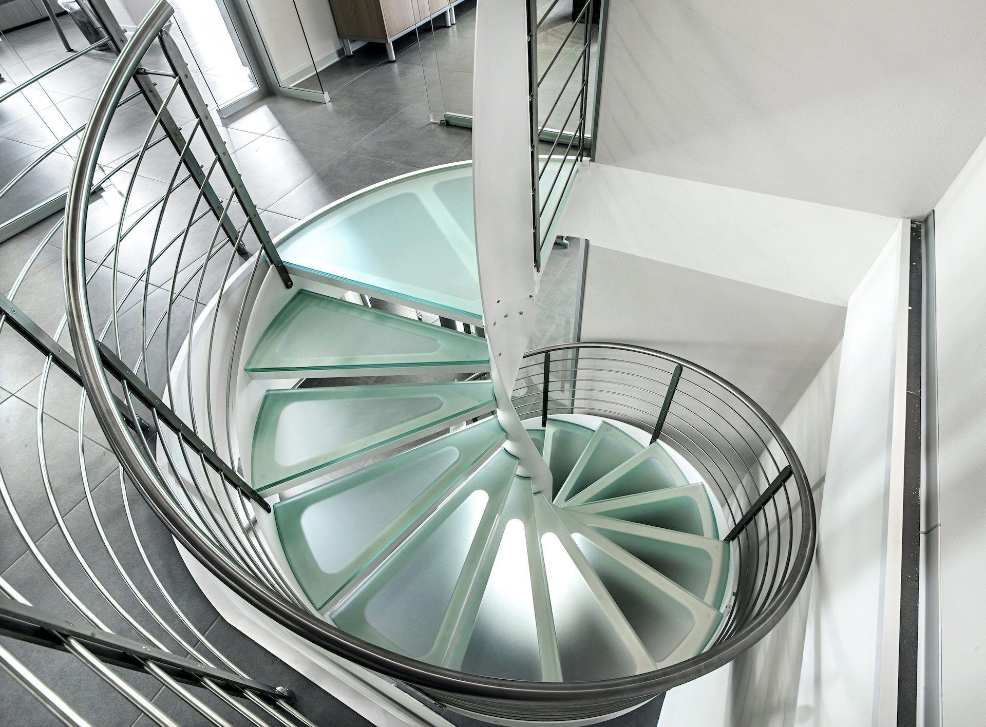 Best Glass Spiral Staircase In 2020 Spiral Staircase Staircase Railing Design Railing Design 400 x 300