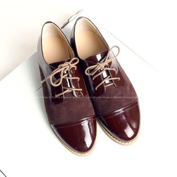 Image from http://i00.i.aliimg.com/wsphoto/v0/2046281514_1/2014-Autumn-Brand-Women-Leather-Flats-Patchwork-Oxford-Shoes-Woman-Lace-Up-Sneakers-for-Women-Flat.jpg_350x350.jpg.